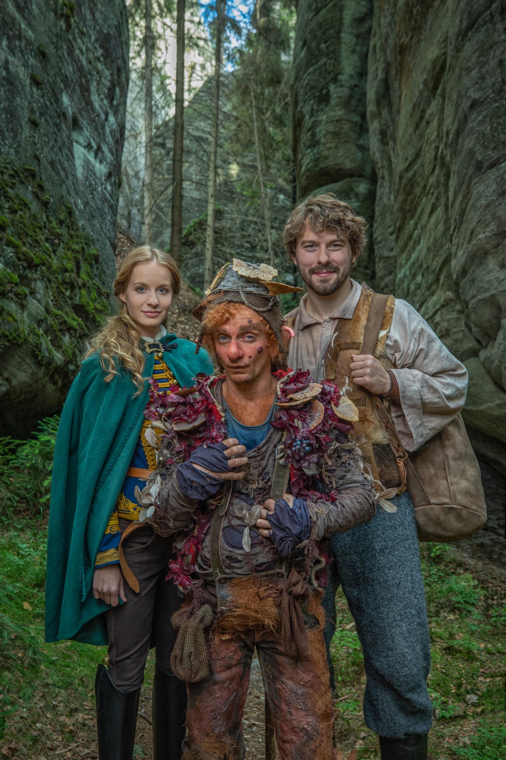 v Adršpašských skalách v severovýchodních Čechách se uskutečnilo natáčení pohádky Slovenské televize Vianočné želanie(O zakletém králi a odvážném Martinovi).