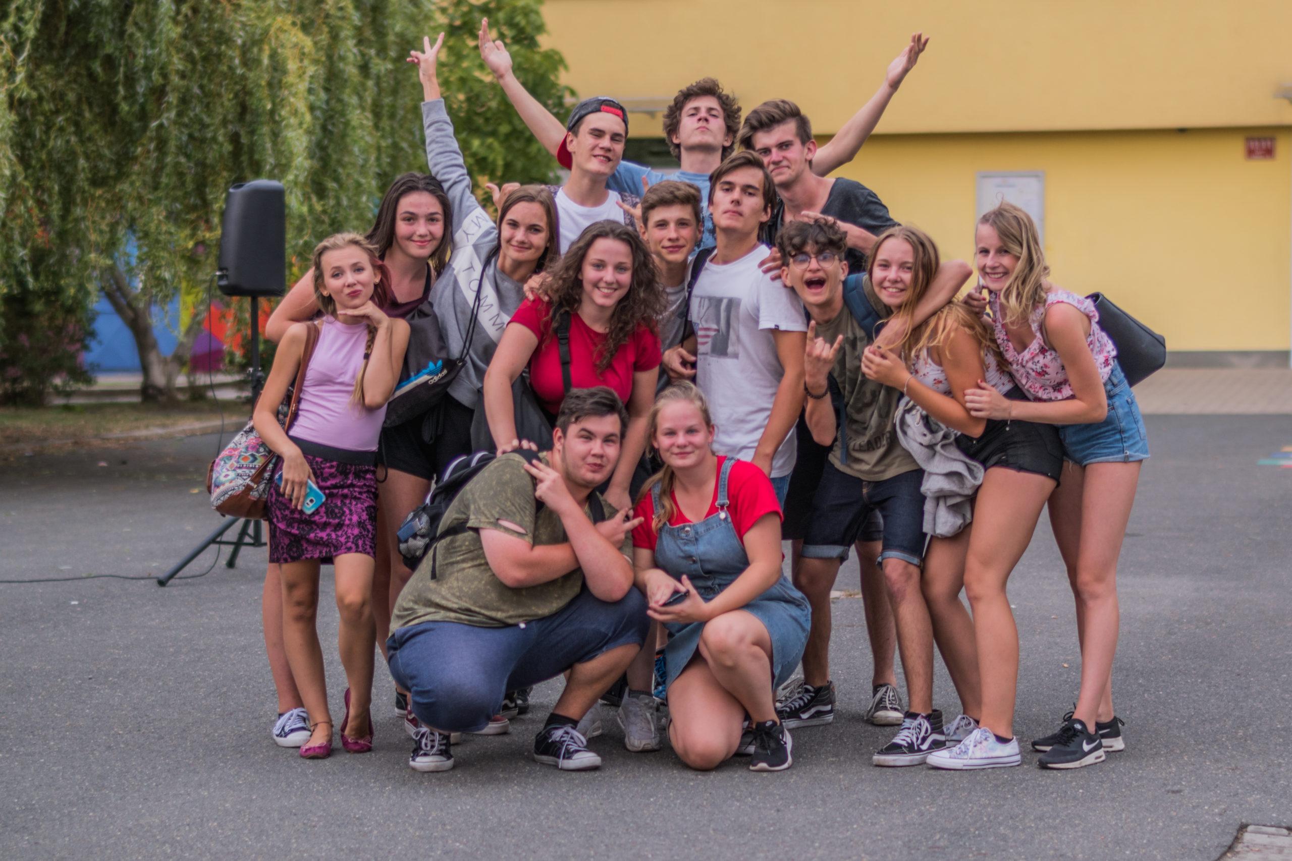 Andílci za školou natáčení - fotky karta #2  #Andilcifilm   Fotografoval: Jan Sobotka  https://gradefilm.cz